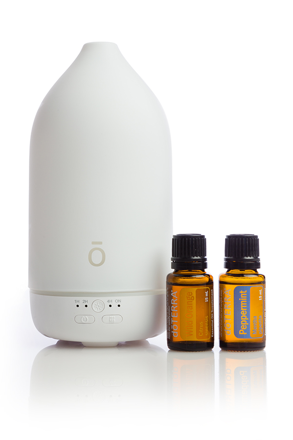 Laluz Diffuser with 15 mL Peppermint and 15 mL Wild Orange